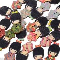 100PCs Wooden Buttons The Japan Kimono Doll Cute 2-hole Sewing Scrapbook DIY