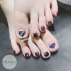 Ideas For Pedicure Decorado Pies Toenails Pretty Toe Nails, Cute Toe Nails, Gorgeous Nails, Fall Nail Art Designs, Toe Nail Designs, Pedicure Nail Art, Toe Nail Art, Ambre Nails, Ruby Nails