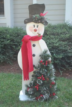 Rob cuts these out for me, and I paint them. Great seller at craft shows! Christmas Angel Crafts, Christmas Yard, Christmas Snowman, Christmas Projects, All Things Christmas, Simple Christmas, Holiday Crafts, Xmas, Outside Christmas Decorations