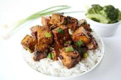 For this vegan, gluten-free Asian garlic tofu with rice, tofu is marinated in a flavor-packed savory hoisin-based sauce, and served on rice or quinoa.