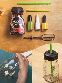Diy Crafts For Home Decor, Diy Crafts Hacks, Diy Crafts For Gifts, Jar Crafts, Diys, Plastic Bottle Crafts, Diy Bottle, Bottle Art, Plastic Container Crafts