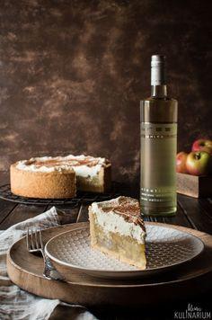 Eine herrlich leckere und stark beschwippste Apfel-Wein-Torte mit einem köstlich fruchtigen Riesling aus dem Hause BREE Wein