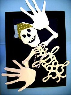 Hands & name memory project! Great for Halloween school party!
