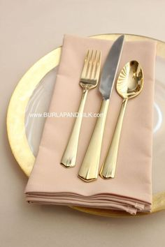 Blush Napkins, 20 x 20 inches wholesale cloth napkins in blush. Excellent blush pink napkins for weddings, events and special occasions in hotels, restaurants and banquet centers.