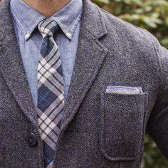 """Weekend warmth. Blazer: @grayers Ivy Chambray Shirt: @bonobos  Tie: @grayers  Pocket Square: @glasshouseshirtmakers"""