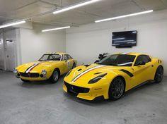 Nhà sưu tập Ferrari nổi tiếng David Lee vừa mang về garage chiếc Ferrari độc nhất mang tên F12tdfDSKL.     Ferrari F12tdfDSKL được David Le...