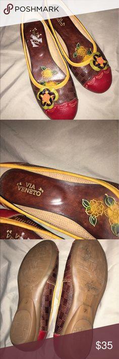 Via Veneto leather flats Via Veneto leather flats size 7 via veneto Shoes Flats & Loafers