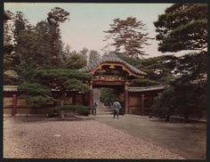 明治の「東京」。江戸の名残を残す名所がカラーでよみがえる【画像】 Vintage Photographs, Vintage Photos, Taisho Era, Japan Landscape, Japanese Castle, Retro Pictures, Meiji Era, Old Photography, Amazing Architecture