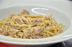 Reteta aglio, olio e peperoncini cu ton. Lemon Spaghetti, Pasta Carbonara, Tuna, Garlic, Good Food, Food And Drink, Ethnic Recipes, Aglio Olio, Diet