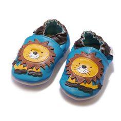 Jinwood - lion blue - soft sole - Loewe - Hausschuhe - Lederpuschen - Krabbelschuhe - by amsomo - http://on-line-kaufen.de/jinwood-designed-by-amsomo/jinwood-lion-blue-soft-sole-loewe-hausschuhe-by