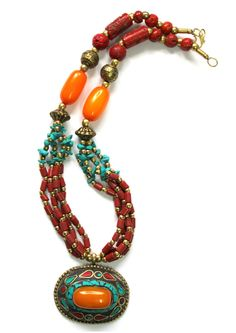 Antiguo Tibet Nepal Oval colgante collar por handmadebyinali