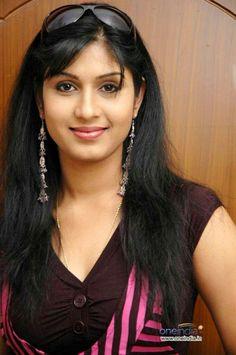 Naina Das biography, details and personal facts - odia film star Beautiful Eyes, Simply Beautiful, Beautiful Women, Hot Actresses, Indian Actresses, Indian Face, Cute Beauty, India Beauty, Pretty Face
