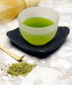 Matcha Better for You Than Regular Green Tea? The Health Benefits of Matcha Green Tea: Matcha teaThe Health Benefits of Matcha Green Tea: Matcha tea Matcha Green Tea Powder, Green Powder, Most Expensive Food, Tea Plant, Matcha Benefits, Health Benefits, My Tea, Cacao, C'est Bon