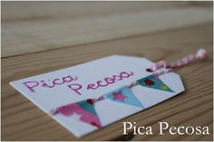 Etiquetas DIY con banderines de tela / DIY gift tag with fabric pennants