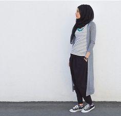 long cardigan hijab style, Modern Hijab Street styles www. Islamic Fashion, Muslim Fashion, Modest Fashion, Trendy Fashion, Fashion Outfits, Trendy Style, Casual Hijab Outfit, Hijab Chic, Ootd Hijab