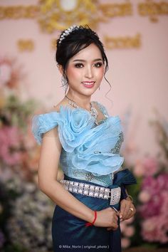 Khmer Wedding, Traditional Wedding, Fasion, Cambodia, Sari, Woman, Celebrities, Saree, Fashion