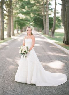 This New Jersey wedding is classic elegance at its finest. Held at the beautiful Ashford Estate, this couple celebrated with a chic, traditional wedding. The venue was decorated with a timeless color palette of natural tones — the florals created byBlade Floral and Event Designsenhanced the elegant vibes in this New Jersey wedding. See the […]