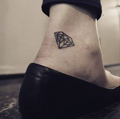 Pin for Later: 33 Real Tattoos That Were Made For Fashion Girls Diamonds Are Forever