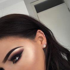 Piercing & eye make-up 😍👌🏾 Flawless Makeup, Gorgeous Makeup, Love Makeup, Makeup Inspo, Makeup Inspiration, Unique Makeup, Kiss Makeup, Makeup Art, Hair Makeup