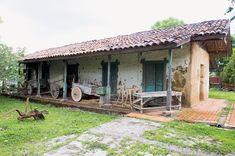 casas antiguas de madera en el campo - Buscar con Google #casasdecampocoloniales Houses In Costa Rica, Adobe House, Outdoor Baths, Village Houses, Country Crafts, Architecture Design, Pergola, Outdoor Structures, Instagram