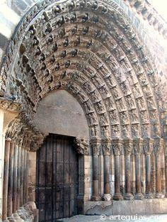 Puerta del Juicio de la Catedral de Tudela España.