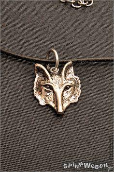 Wolfskopf am Lederband  Halskette Anhänger Metall von SpinnWeben