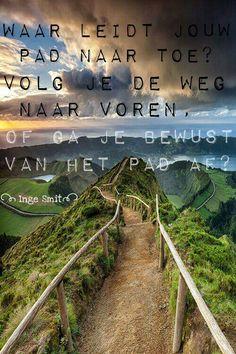 Waar ga je naar toe? Do you choose right ahead? Or do you go your own path?