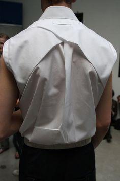 back shirt overlap detail
