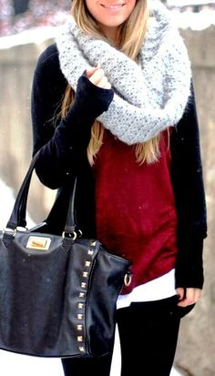 MODE THE WORLD: Oversized Cozy Scarf with Cardigan and Leather Handbag