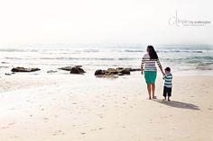 Great #family #beach photo ideas www.dimplesbyanaliesejane.com