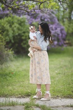 Sandy a la Mode | Mommy and Me Vintage Flower Skirt matching outfit