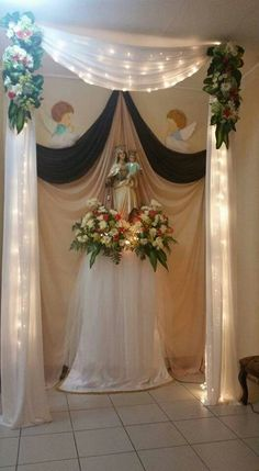 1 million+ Stunning Free Images to Use Anywhere Church Altar Decorations, Backdrop Decorations, Backdrops, Wedding Decorations, Christmas Decorations, Altar Flowers, Church Flower Arrangements, Church Flowers, Floral Arrangements