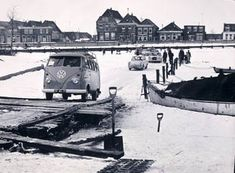 Auto's op het Spaarne in Haarlem (1963).