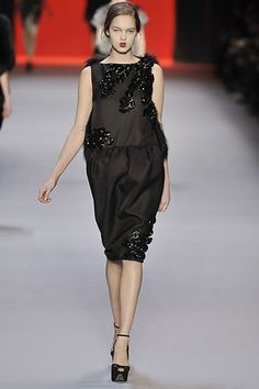 Giambattista Valli Fall 2008 Ready-to-Wear Collection - Vogue