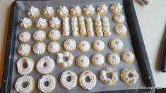 Non Plus Ultra reteta veche de fursecuri cu bezea | Savori Urbane Non Plus Ultra, Biscotti Recipe, Mini Cupcakes, Doughnut, Nutella, Biscuit, Gem, Desserts, Recipes