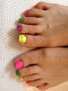 smile neon foot nail
