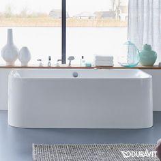 Duravit Happy D.2 Badewanne Vorwandversion: Freuen Sie sich auf maximale Entspannung bei Ihrem Bad, denn dank des Materials Sanitäracryl fühlt sich die Oberfläche der Badewanne angenehm glatt an. Die Wanne überzeugt mit 2 Rückenschrägen sowie einem mittig platzierten Ab- und Überlauf, sodass 2 Personen besonderen Sitzkomfort genießen können. #badewanne #badezimmer #wanne #bathroom #bathtub #eckig #interior #interiordesign #modern #duarvit #happy #fürzwei #2personen #bath #relax #reuter…