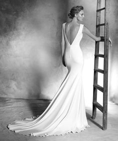 Pronovias Idalia Wedding Dress on Sale