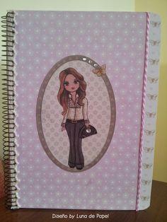 Cuaderno alterado con papeles Dayka- Altered notebook - by Luna de Papel