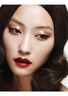 korean / asian / red lip / makeup / fiber lashes