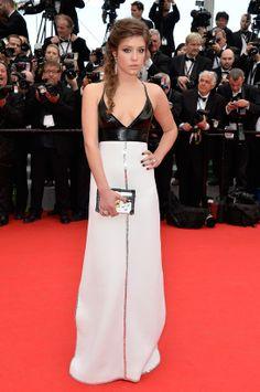 Adèle Exarchopoulos en robe Louis Vuitton et bijoux Chopard http://www.vogue.fr/sorties/on-y-etait/diaporama/la-ceremonie-d-ouverture-du-festival-de-cannes-2014/18732/image/1000231#!ceremonie-d-039-ouverture-du-festival-de-cannes-adele-exarchopoulos-en-robe-louis-vuitton-et-bijoux-chopard
