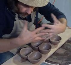 SIMON LEACH POTTERY - Throwing double bowls