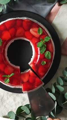 Fresh strawberries and raspberries wrapped in jello sit atop a heavenly yogurt mousse. Fresh strawberries and raspberries wrapped in jello sit atop a heavenly yogurt mousse. Jello Desserts, Jello Recipes, Delicious Desserts, Cake Recipes, Dessert Recipes, Yummy Food, Fruit Dessert, Fudge Recipes, Summer Desserts