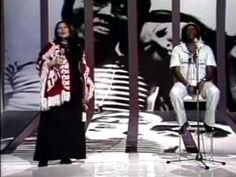 """""""Volver a los 17"""" from Violeta Parra. performed by Mercedes Sosa and Milton Nascimento  """"Fantástico"""" de 12/12/76, Milton Nascimento e Mercedes Sosa apareceram interpretando um clássico sulamericano, """"Volver a a Los 17"""", de Violeta Parra.  A faixa se transformou num dos principais destaques do LP do mineiro que estava sendo lançado, """"Geraes"""", e chamou a atenção do público brasileiro para a cantora argentina que, com este sucesso, inaugurava uma fase de profícuas parcerias com artistas da MPB."""