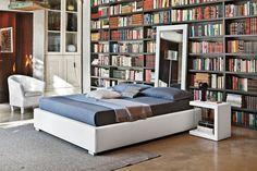 Sommier franciaágy. Minimál, fiatalos stílusú, puha tapintású bőrszövet franciaágy. Under Bed, Double Beds, Outdoor Furniture, Outdoor Decor, Mattress, Minimalism, Sleep, Colours, Bedroom