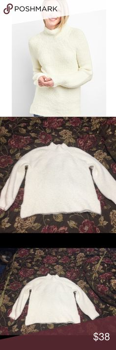 New Gap XXL Soft Boucle Italian Wool Sweater This top is up for sale!  New with partial tags.  Really nice!! ❤ Off White ❤ Italian Wool blend ❤ Super soft, stretchy, textured ❤ Size Measured in Pictures 🔍📏   ✅ Bundle up 3 items and save 💲✅  ❤️I love reasonable offers. ❤️ 🎉 Pair w/our jewelry, acc. or purses 🎉 🆕🆕 New items every week! 🆕🆕 GAP Sweaters Cowl & Turtlenecks