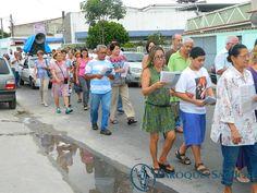 Devoção nas ruas de Magalhães Bastos - Novena de Natal em família 2012