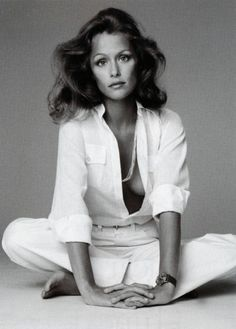 Lauren Hutton draws inspiration from menswear./I remember this photo.