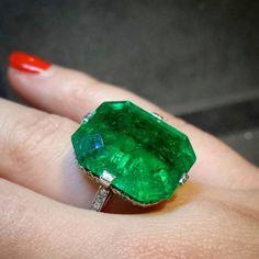 18.67 carat emerald & diamond ring by Van Cleef & Arpels., superb!