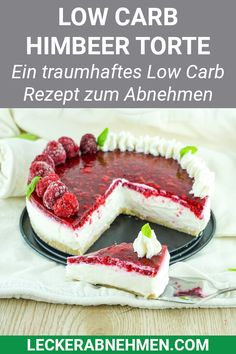 Low Carb Torte ohne Backen – Rezept zum Abnehmen This low carb cake with raspberries and vanilla cream is sugar free, healthy and works without baking. Here's the simple recipe that's perfect for losing weight with a low carbohydrate diet. Healthy Low Carb Recipes, Low Carb Desserts, Healthy Dessert Recipes, Baking Recipes, Kale Recipes, Snacks Recipes, Party Desserts, Soup Recipes, Low Carb Cake